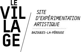logo Le Village, art contemporain à Bazouges-la-Pérouse archives 2011